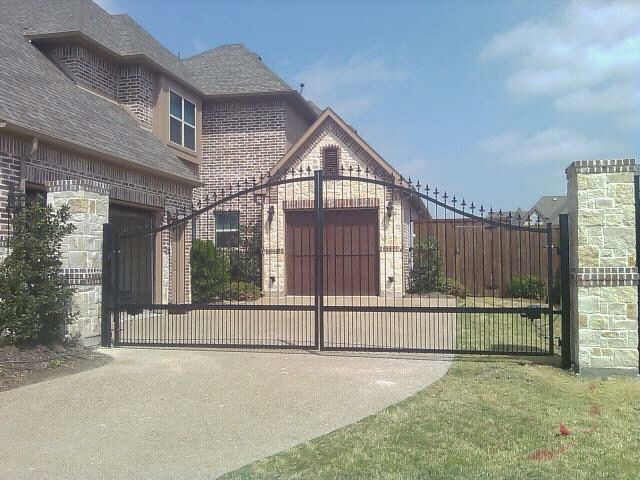 Benefits of an Automatic Gate | Texas Best Fence & Pat