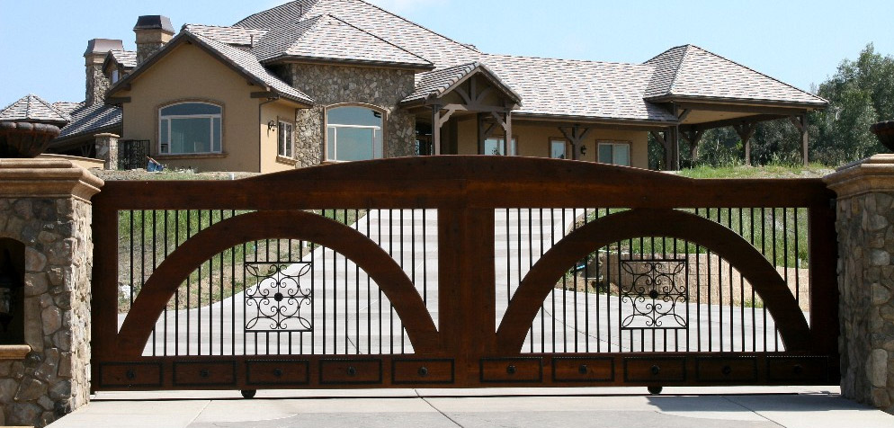 Automatic gates and driveway gates in southern Californ
