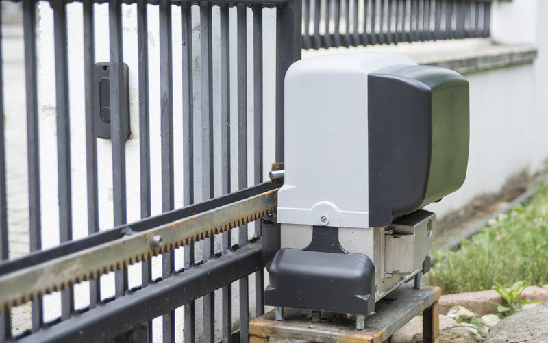 Top 7 Reasons Your Home Would Benefit From An Automatic Gate | R