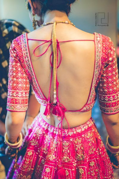Want To Wear A Backless Blouse? Here's How You Can Get Rid Of .
