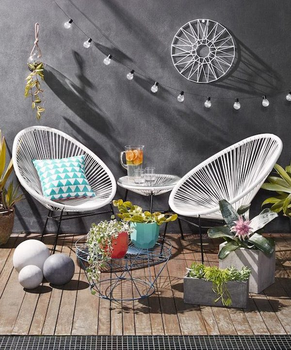 51 Modern Outdoor Chairs To Elevate Views of Your Patio & Gard