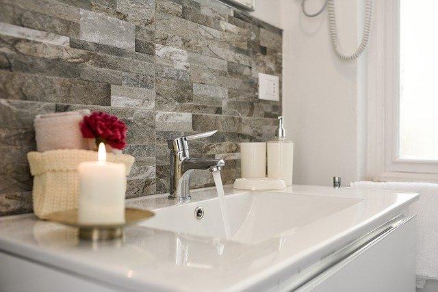 16 Beautiful Small Bathroom Decorating Ideas to Inspire Y