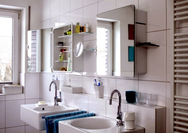 Mirror cabinet in the bathroom – designs for minimalist interior .