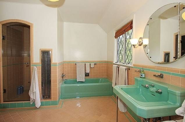 who still makes coloured bathroom suites - Google Search .