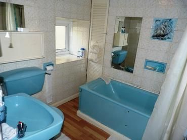 Sky-blue bathroom suite (With images) | Black kitchen decor .