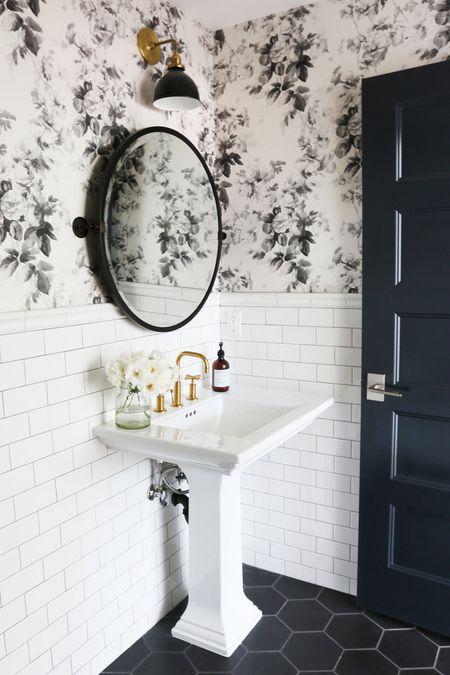 Stunning Tile Ideas for Small Bathroo