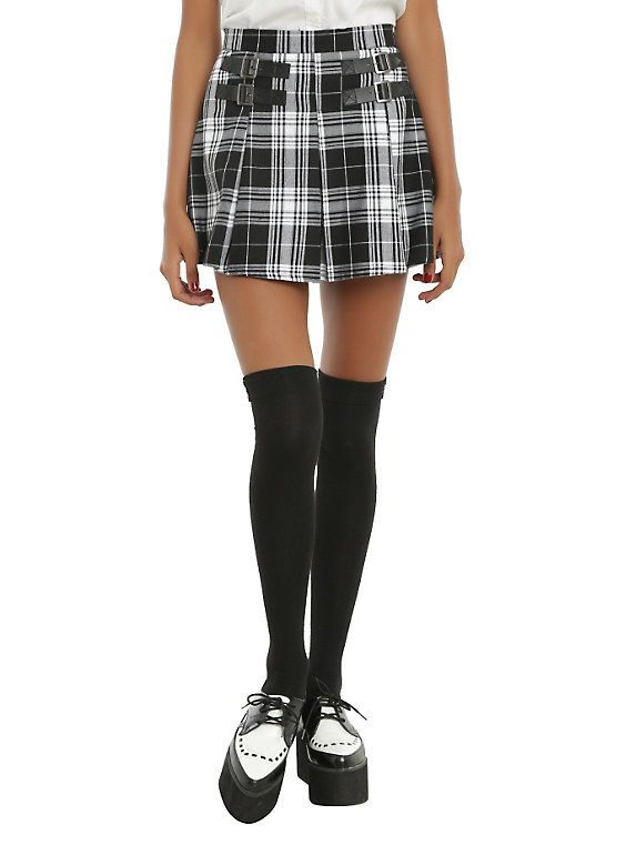 Black & White Plaid Buckle Skirt (With images) | Plaid pleated ski