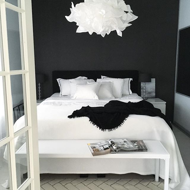 Black and white bedrooms … | White bedroom design, Bedroom .