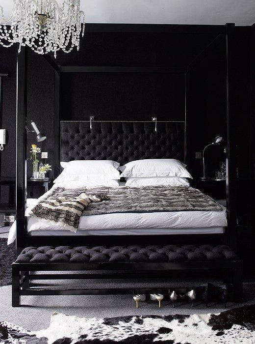 7 Beyond-Gorgeous Black Rooms | Black bedroom design, Stylish .