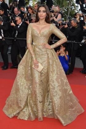 Unique Celebrity Dresses, Unique Red Carpet Gowns - Lun