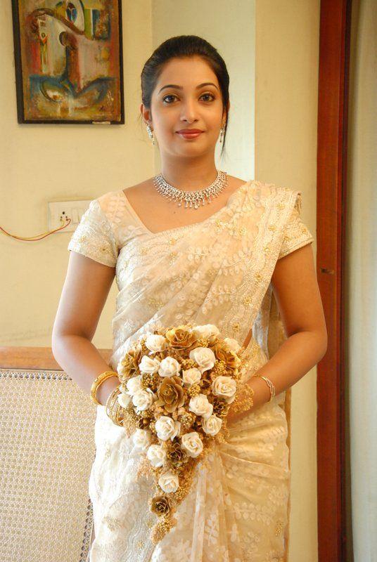 How to Pick a Wedding Saree for Christian Bride | Saree Gui