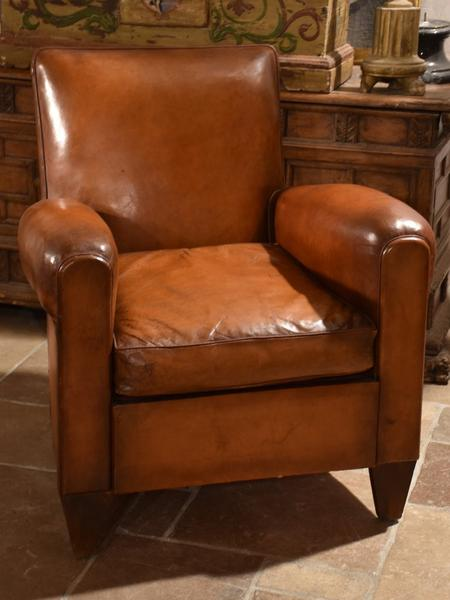 A complete guide to French leather vintage club chai