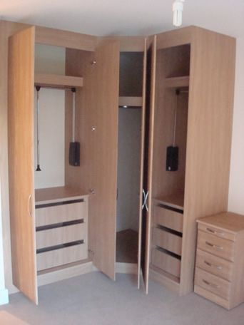 Always more storage space with fitted furniture (com imagens .