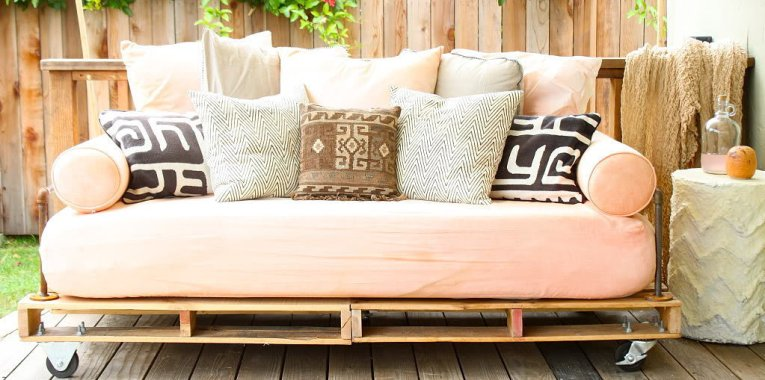 6 Daybed Designs To Relax In Absolute Style (And Comfort) | Home .
