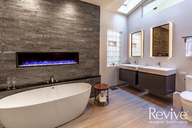 Downtown Chicago Bathroom Remodel - Modern - Bathroom - Chicago .