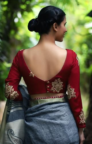 designer blouses (With images) | Saree blouse designs latest .