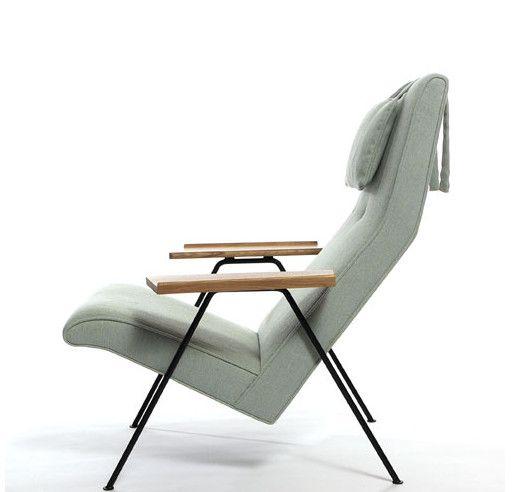 Designer Robin Day's Retro Chair Wins Wallpaper Award of Year .