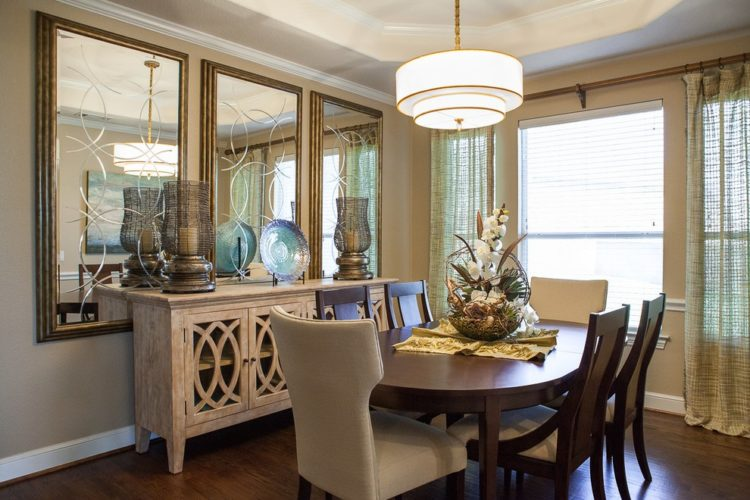 20 Beautiful Dining Rooms Incorporating Mirro