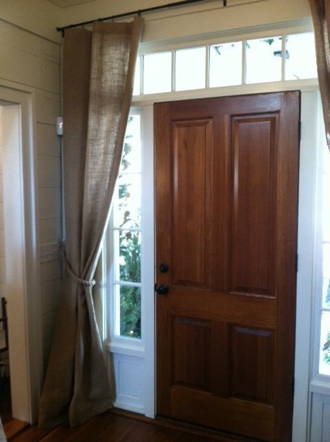 Block drafts and highlight the entry with a curtain on the inside .