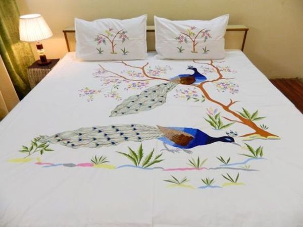 40 Easy Peacock Painting Ideas which are Useful | Bed sheet .