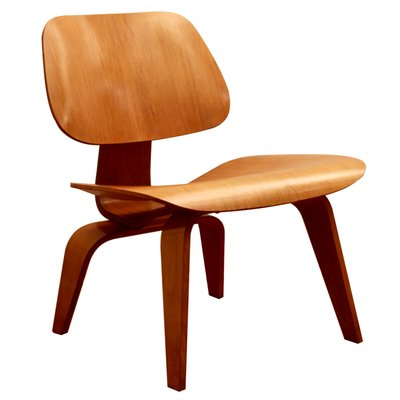 LCW Chair by Charles & Ray Eames for Herman Miller, 1949 for sale .