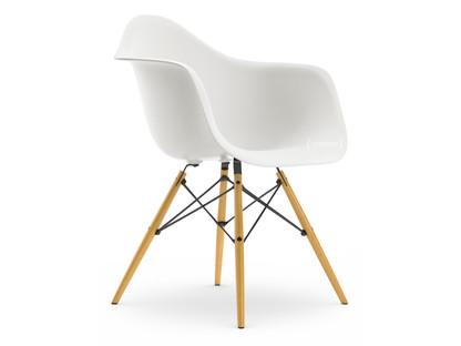 Vitra Eames Plastic Armchair DAW by Charles & Ray Eames, 1950 .