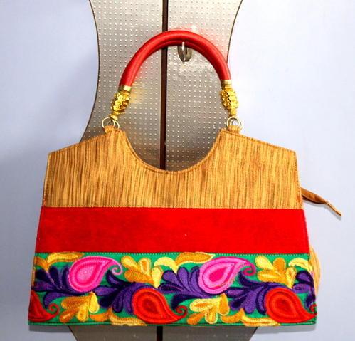 Manufacturer of Ladies Clutch & Designer Handbag by Designer Purse .