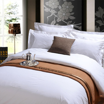 5 Star Luxury Hotel Quilted King Size Bed Sheet Printed Wholesale .