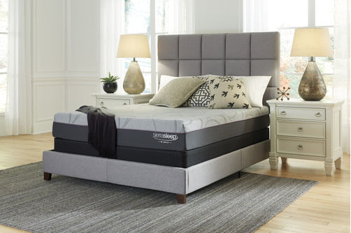 Signature Design by Ashley Palisades Memory Foam Queen Mattre