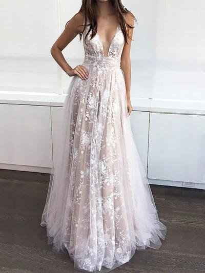 A-Line/Princess Prom Dresses Luxurious Sweep Train V-neck .