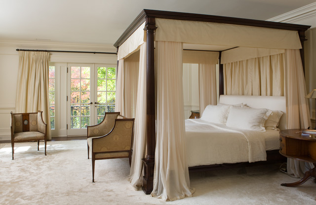 9 Ways to Dress a Four-Poster B