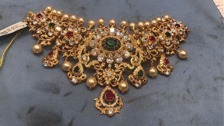 Pin by Spandana Reddy Sappidi on Jewelry | Gold jewelry fashion .