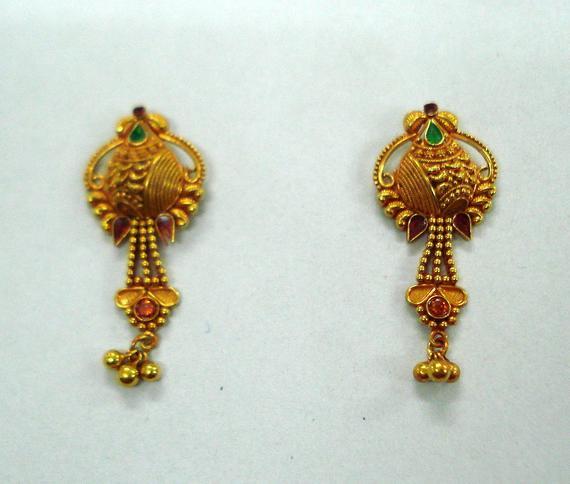 Traditional design 20kt gold earrings ear stud handmade gold | Et