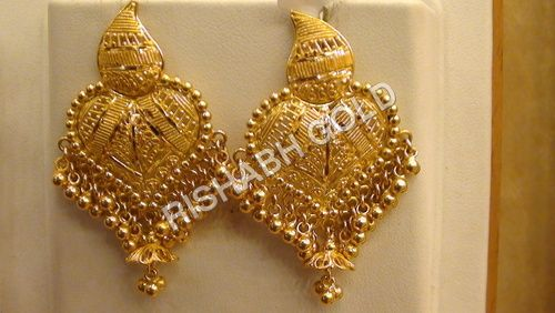 Beautiful Gold Earrings (With images) | Gold earrings designs .