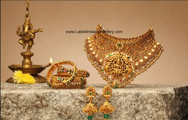 Designer Traditional Antique Gold Temple jewellery Choker Necklace .