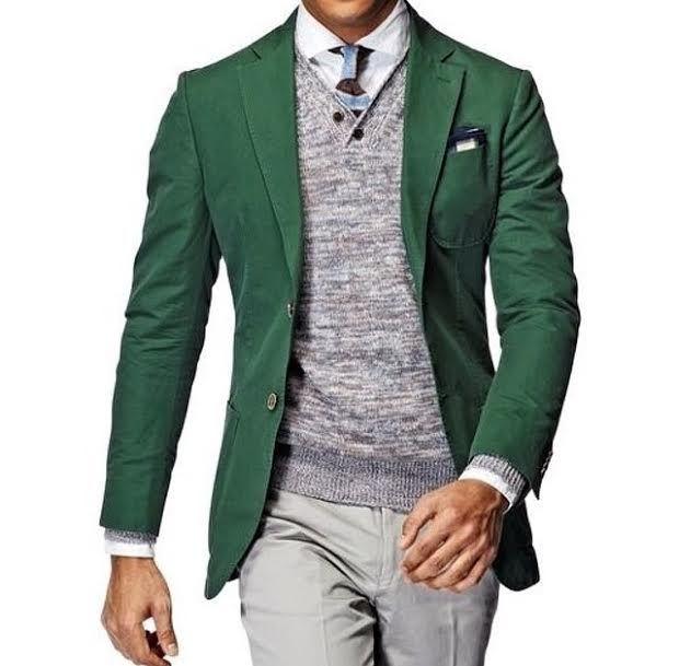 Warm autumn or fresh late summer? Blazers in green always fit .
