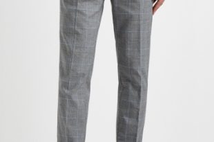Moss London Slim Fit Grey Prince of Wales with Blue Boucle .
