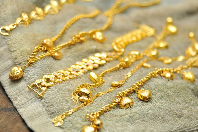 Cleaning Gold Jewelry: The Best Home Remedies | Women's Alphab