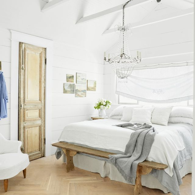 100+ Bedroom Decorating Ideas in 2020 - Designs for Beautiful Bedroo