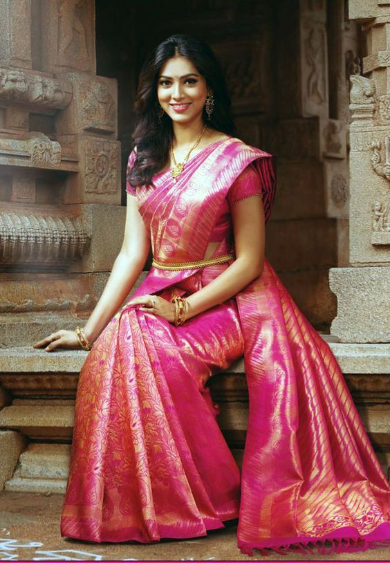 9 Trendy Kanchipuram Bridal Silk Sarees for Your Big Day .