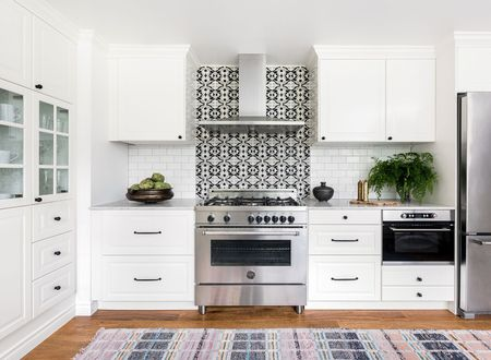 21 White Kitchen Cabinets Ideas for Every Tas