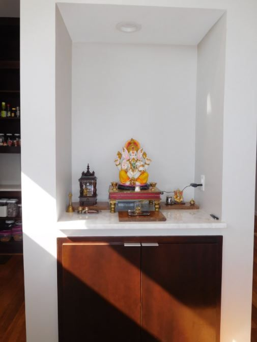 Small Pooja Cabinet Designs and Ideas - Home Makeover (With images .