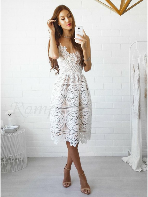 A-Line Spaghetti Straps Knee-Length White Lace Prom/Homecoming Dre