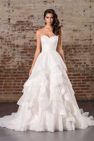 Gorgeous Wedding Dresses With Tiered Skirts | BridalGui