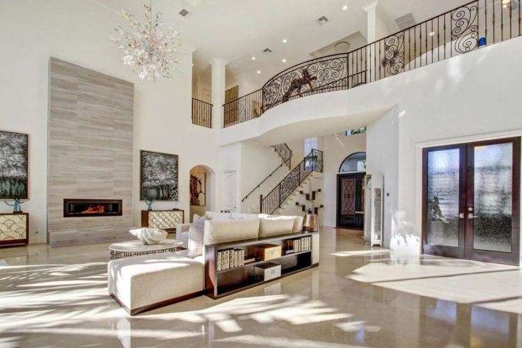 20 Beautiful Living Room Designs with High Ceilin