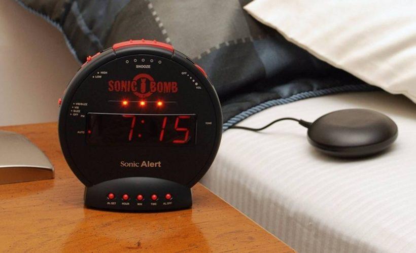 Top 10 Loud Alarm Clocks for Heavy Sleepers 2020 - Bass Head Speake