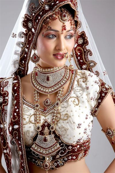 White & Maroon lehenga choli (With images) | Beautiful indian .