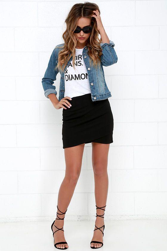 Winning Black Mini Skirt (With images)   Black mini skirt outfit .