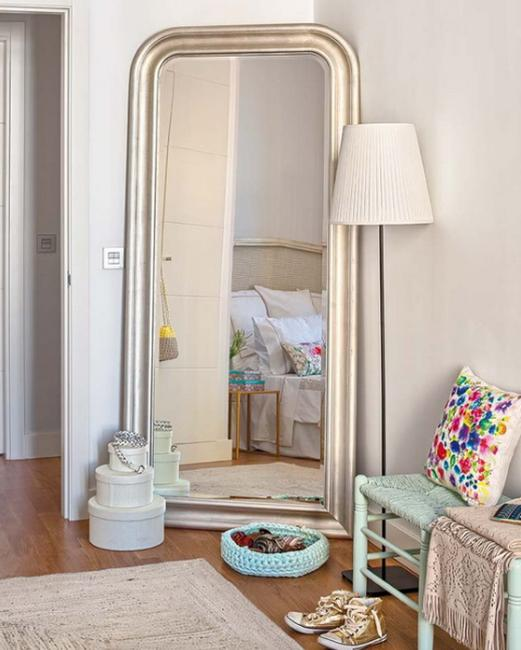 Stylish Mirrors Bringing to Light Functional and Modern Bedroom .