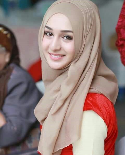 Pin by bunga merahku on indah | Beautiful hijab, Muslim beauty .